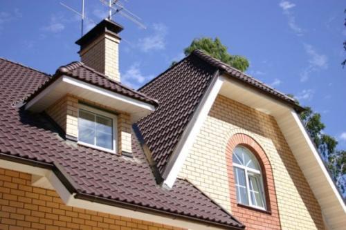 Ломаная крыша с кукушкой. Виды ломаных крыш