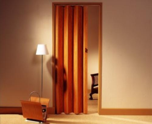 Как установить самому двери гармошка. Из чего изготавливаются двери-гармошки