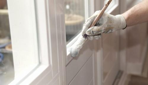 Чем оклеить окна на зиму. Особенности и основные требования