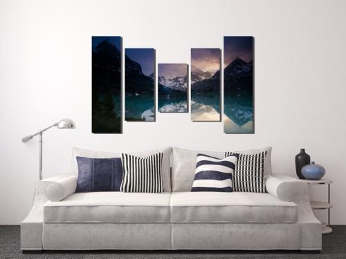 Как красиво развесить картины на стене. 5 ошибок размещения картин на стенах