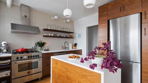 Какой выбрать материал для фасадов кухни. Требования к кухонному гарнитуру