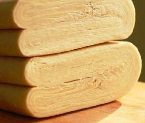 Как правильно раскатать магазинное слоеное тесто. Немного о слоеном тесте: как разморозить, как раскатать, как сделать пышным.