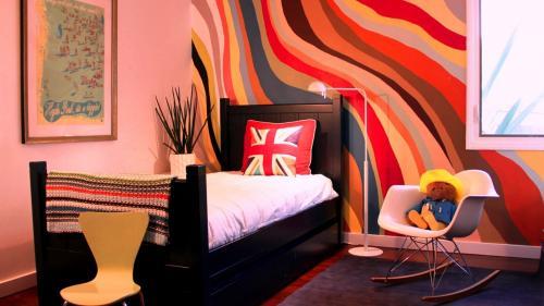 Что лучше покрасить стены в квартире или поклеить обои. Подготовкаперед покраской