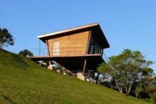 Проекты домов на сваях. Под какие конструкции можно использовать сваи