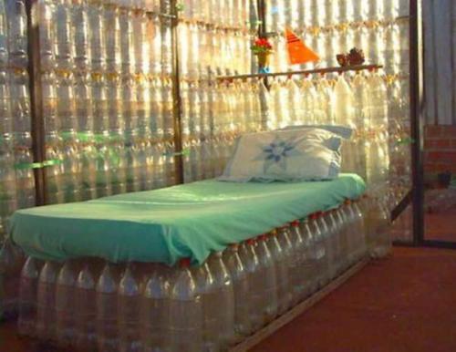 Домик своими руками из пластиковых бутылок. Мебель из подручных материалов: утилизируем пластиковые бутылки