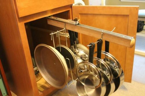 Как сделать держатель для крышек своими руками. Хранение крышек кастрюль на кухне: держатель крышек своими руками
