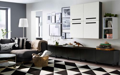 Интерьер комнаты с белой мебелью. Стильный дизайн гостиной с белой мебелью