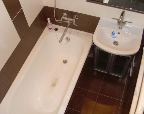 Налет в ванной, как удалить. Налет в ванной: как просто и быстро удалить налет своими руками. Советы по выбору средств для уходу за кафелем и ванной