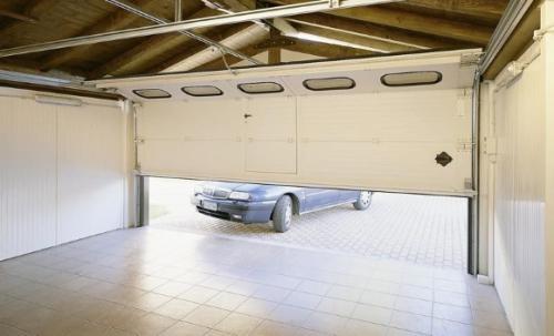 Разновидности гаражных ворот. Как подойти к процессу выбора?