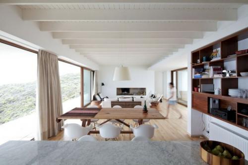 Потолок с декоративными балками. Какому стилю подходит декорирование балками